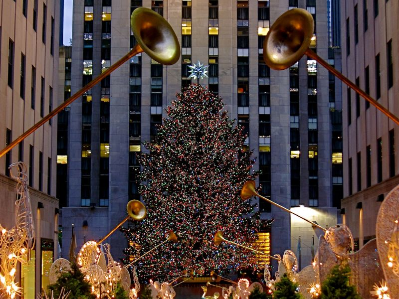 5 reasons why you should spend Christmas & New Year in New York