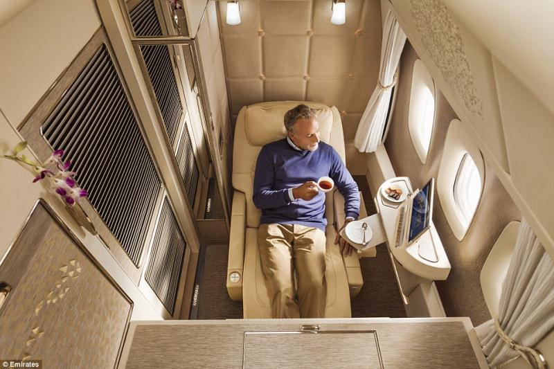 Emirates launch new First Class Suites to raise the uber-luxe seat stakes (again).