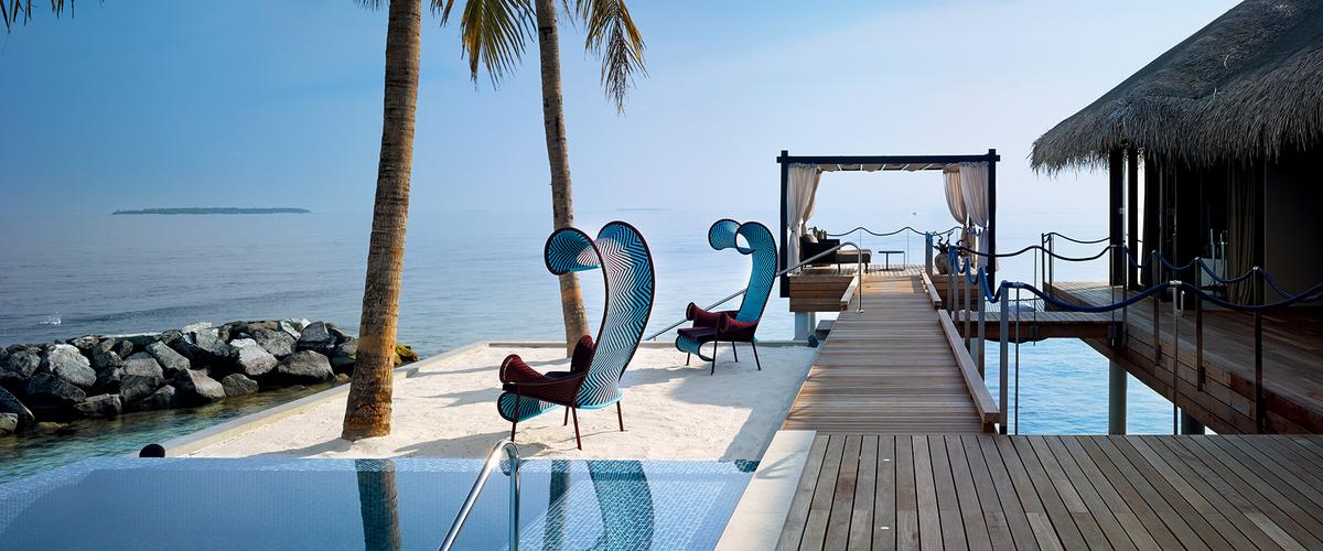Velaa romantic pool